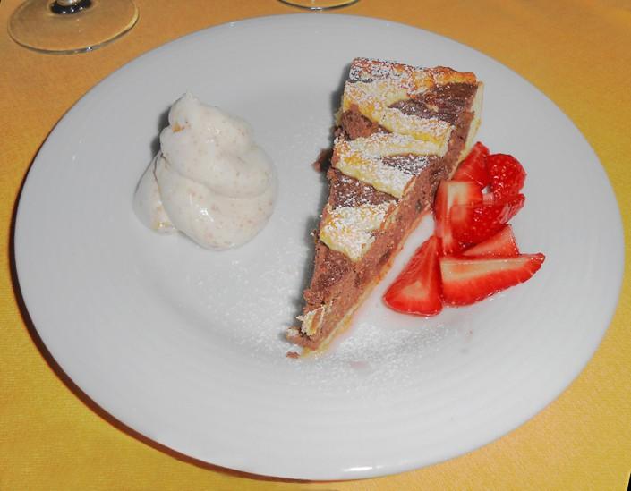 Les Montagnards, Torta con mousse di caprino e cioccolato bianco
